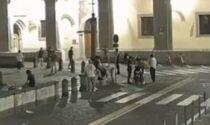 Padova, il video del folle pestaggio in Piazza Duomo: preso il branco