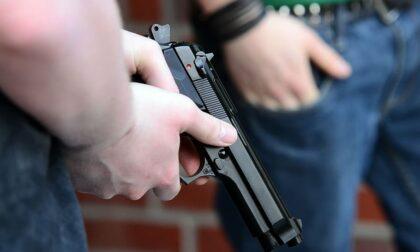 """""""Aveva la pistola e ci ha rapinati"""": la denuncia di tre 30enni padovani"""
