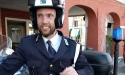 """Sirene spiegate e fiori per omaggiare l'agente Massimo Boscolo: """"Ci mancherai"""""""