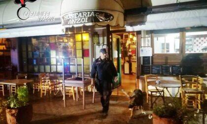 Nel suo ristorante i clienti consumavano anche cocaina: incastrato dal bigliettino con l'indirizzo